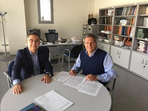 Dr. Javier Lottersberger, Decano de la Facultad y por parte de FAEDPYME el Dr. Domingo García, Co-Director